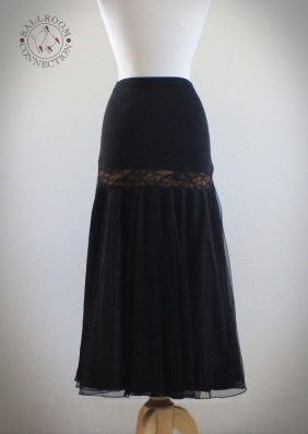 LongBlack_Skirt_1_Back.jpg